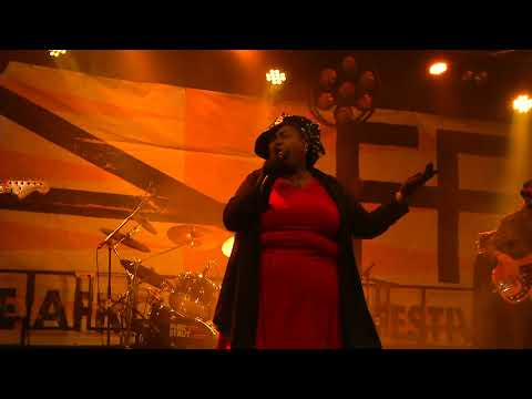 PHAT STRUT - When I Think Of You   Live @ LAFF